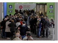İtalya'da son 24 saatte 10 bin 585 yeni vaka