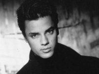 Bir reklamla yıldızı parlamıştı… Ünlü model ve şarkıcı Nick Kamen hayatını kaybetti