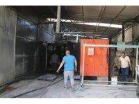 Boyahanede çıkan yangın itfaiye ekiplerince söndürüldü