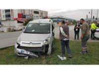 Samsun'da tır hafif ticari araca çarptı: 2 yaralı