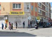 Eskişehir'de PTT önünde kuyruk