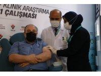 Bakan Varank gönüllü olduğu VLP aşının ilk dozundan 20 gün sonra ikinci dozunu yaptırdı