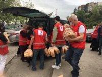 Türk Kızılay gönüllüleri 3 bin 500 ihtiyaç sahibi aileye ulaştı