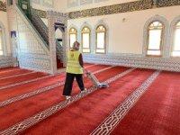 Kaş'ta camilerde bayram temizliği