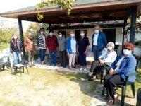 Burhaniyeli kadınlardan 175 aileye bayram yardımı