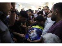 İsrail tarafından öldürülen Filistinli genç toprağa verildi