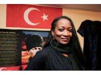 ABD'li ünlü sanatçı Della Miles'tan İsrail'i boykot çağrısı