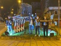 Kısıtlamaya rağmen Beşiktaş'ın şampiyonluğunu kutladılar