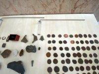 Sakarya'da Roma ve Bizans dönemine ait 152 sikke ve tarihi obje ele geçirildi