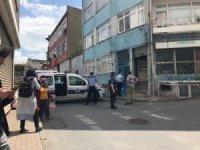 Fatih'te çökme riski olan 50 yıllık bina boşaltıldı