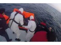 Didim açıklarında 23 düzensiz göçmen kurtarıldı