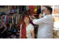 Mardin'e özgü şal bağlaması turistlerin ilgi odağı oldu