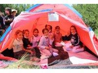 Diyadin'de öğrenciler ilk defa doğada kamp heyecanı yaşadı