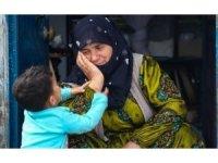 Fotoğraf ödülünü tedavi gören çocuklar için bağışladı