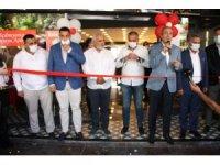 Hacıbaba Pastaneleri Beylikdüzü Şubesi görkemli katılımla açıldı