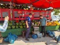 Semt pazarlarında terazi denetimi
