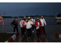 Samsun'un dünya şampiyonları çiçekle karşılandı