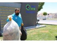 Sıfır atık market ile geri dönüşüme katkı sağlanıyor