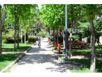 Kahramankazan'da parklar göz kamaştırıyor