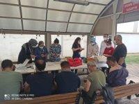 Osmaneli'nde mobil ekipler fabrikalarda çalışan işçilere Covid-19 aşısı yapıyor