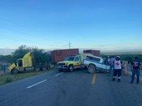 Meksika'da kamyonetle tır kafa kafaya çarpıştı: 3 ölü
