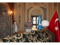 15 ayın ardından ziyarete açılan Ertuğrul Gazi Türbesi'nde yoğunluk