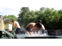 Erzincan'da bunaltıcı sıcaklık, termometreler 40 dereceyi gösterdi
