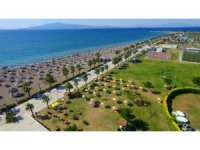 Aliağa Ağapark Plajı 5. kez Mavi Bayrak ile taçlandırıldı