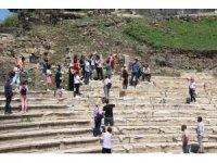 Antik kalıntılar yerli ve yabancıların beğenisini kazanıyor