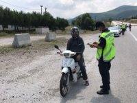 Balıkesir'de jandarmadan 10 aranan şahsa gözaltı