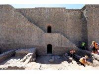 İçkale'deki kazı ve restorasyonlarda 3 burcun kapısı ortaya çıkarıldı