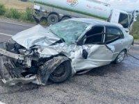 Kula'da kamyonla otomobil çarpıştı: 2 yaralı