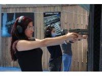 Kadınların silah tutkusu