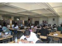 Malazgirtli gençler üniversite sınavı için son hazırlıklarını yapıyor