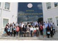 Kütahya'da YENEP eğitici eğitimlerine katılan öğretmenlere sertifika