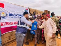 Kurban bağışları Afrika'daki yetimlere ulaşıyor