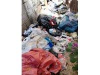 Vatandaşlar şikayet etti, Bağlar Belediyesi çöp evi temizledi
