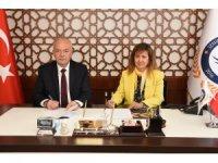 Dursunbey Belediyesi ile İzmir Demokrasi Üniversitesi arasında protokol