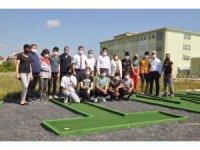 Liselilerin mini golf etkinliği