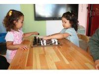Okul öncesi dönemde satranç çocuklara farklı pencerelerden bakabilme alışkanlığı kazandırıyor