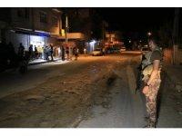 Adana'da bakkal önünde silahlı saldırı: 1 ölü, 1 yaralı