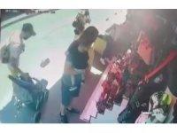 Fatih'te hırsız turistlerin çantasını bebek arabasından çaldı
