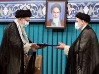 İran'da yeni Cumhurbaşkanı Reisi mazbatasını aldı