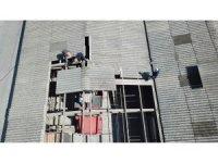 Akyazı Kapalı Pazar Yeri'nin onarım çalışmaları başladı