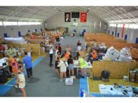 Marmaris'te yardım toplama merkezleri kuruldu