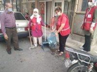 Alaşehir Kızılay Derneği kadınlarından çevre temizliği