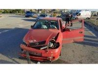 Kırıkkale'de iki otomobil kafa kafaya çarpıştı: 5 yaralı