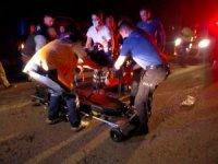 Hafif ticari aracın çarptığı motosikletli yaralandı