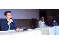 Alaşehir'de muhtarlar ve imamlarla aşı toplantısı