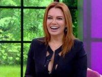 Şarkıcı Pınar Eliçe, cilt kanserine yakalandığını açıkladı